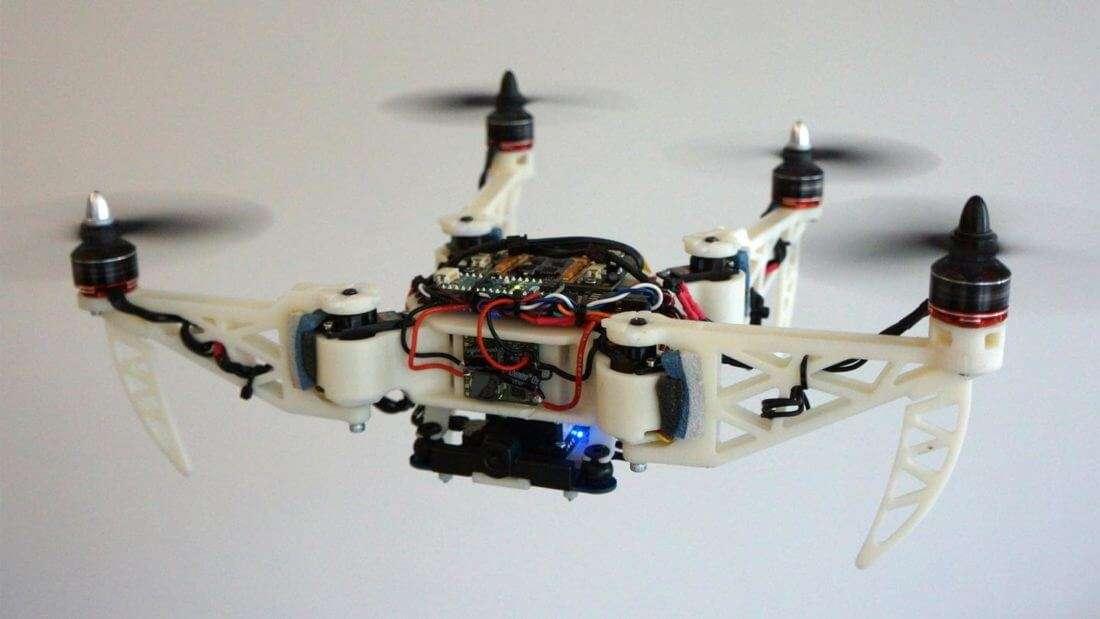 Винайшли дрона, що змінює форму під час польоту
