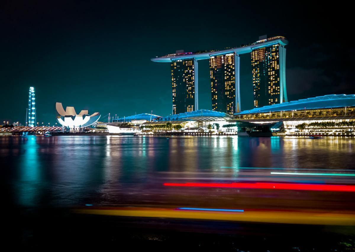 Як Сінгапур без грошей стимулював розвиток бізнесу