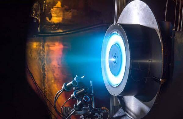 Як працює іонний двигун? (відео від Universe Today)