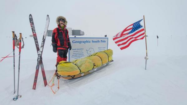 Уперше в історії: людина пішки перетнула Антарктиду
