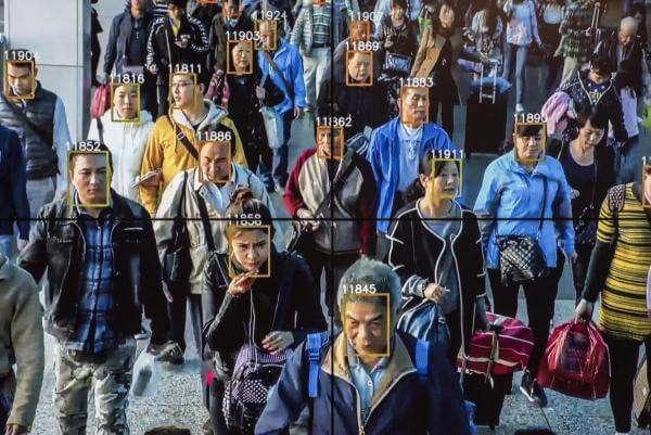 У Китаї за проїзд у метро можна розрахуватися своїм обличчям