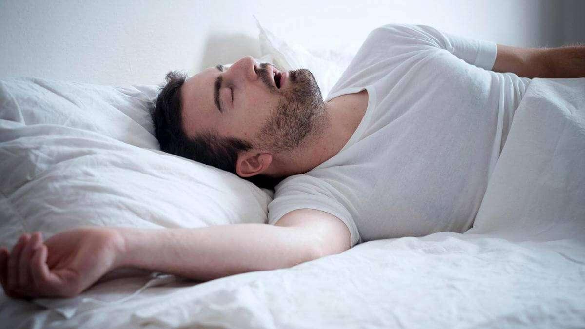 У США створили подушку, що поглинає звук хропіння