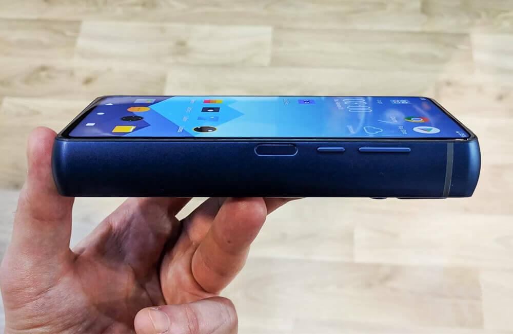 У Франції створили смартфон із батареєю на 18.000 мАг