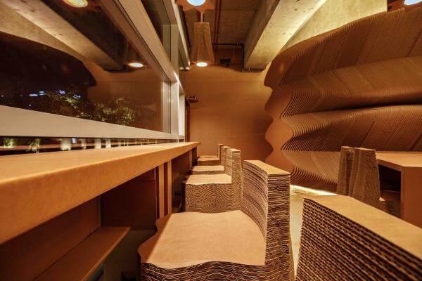В Індії відкрили перше кафе з картону