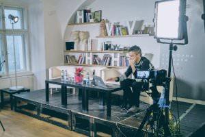 Життя Інтерв'ю з Романом Скрипіним. Про онлайн-ЗМІ, фейкову журналістику, євроінтеграцію та безвіз Журналіст Інтерв'ю лонгрід роман скрипін у світі Чехія