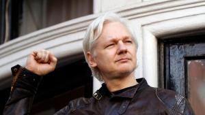 Життя Хто такий Джуліан Ассанж та чому його заарештували? британія ЗМІ новина поліція сша у світі