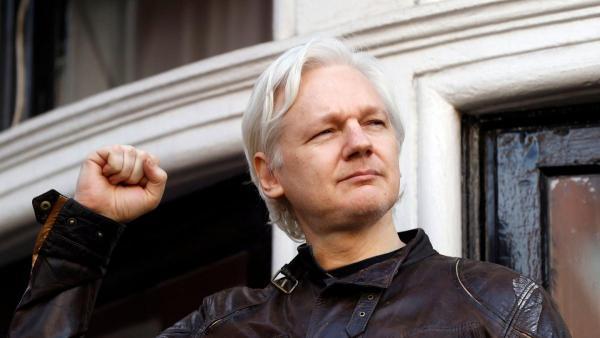 Хто такий Джуліан Ассанж та чому його заарештували?