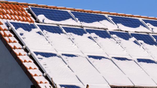 У США навчилися отримувати електрику зі снігу, що падає
