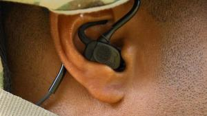 Технології Тактичні навушники тепер можуть визначати, звідки лунають постріли Армія німеччина новина у світі франція