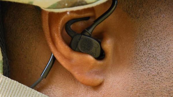 Тактичні навушники тепер можуть визначати, звідки лунають постріли