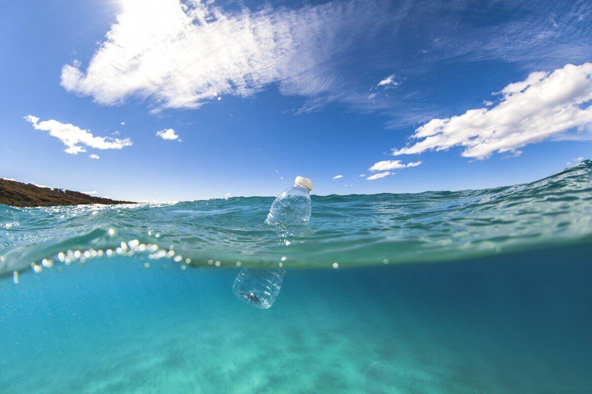 Що більше пластику в океані, то менше кисню на Землі