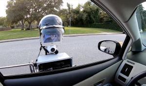 Технології У США робот-поліціянт перевіряє особу водія, як справжній офіцер новинаполіціяроботисшау світі