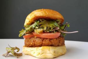 Життя Бургер без м'яса може врятувати довкілля Білл Ґейтс екологія Їжа стаття сша