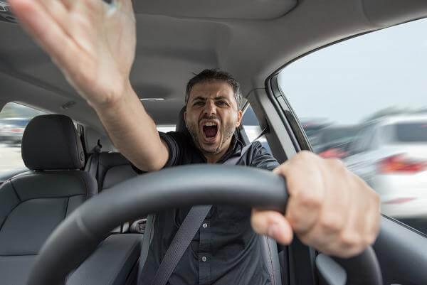 Автомобілі мають взаємодіяти між собою, аби уникати заторів та аварій
