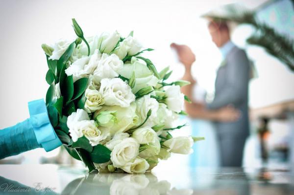 Як пара продала своє весілля через Instagram