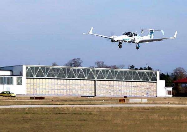 Дивіться, як літак вперше провів повністю автоматичну посадку
