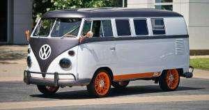 Життя Volkswagen перетворила мінівен для хіпі на сучасний електрокар із сенсорним лобовим склом новина сша транспорт у світі