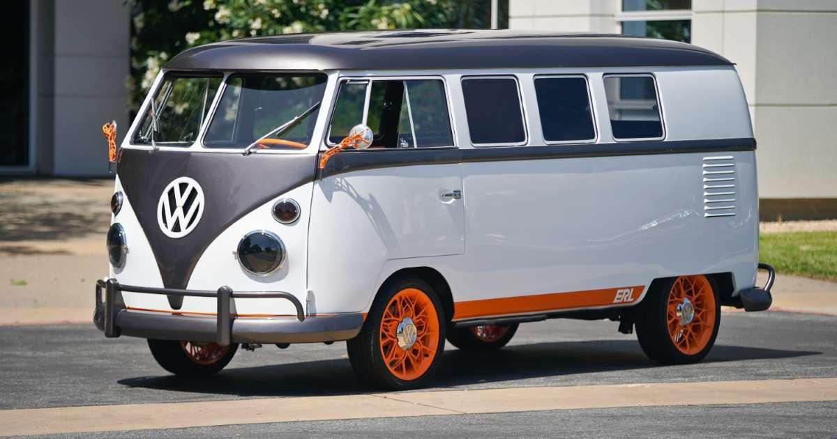 Volkswagen перетворила мінівен для хіпі на сучасний електрокар із сенсорним лобовим склом