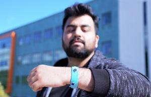 Технології Як «розумний» браслет допомагає контролювати емоції британія медицина новина у світі