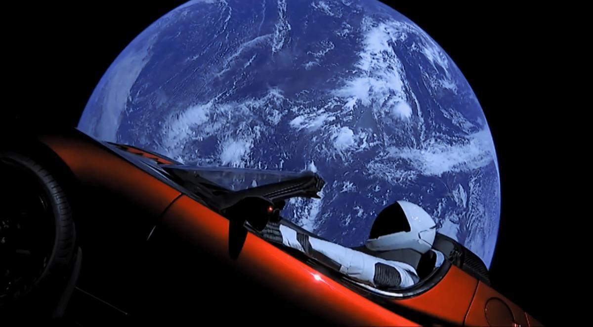 Starman від SpaceX завершив свою першу навколосонячну орбіту