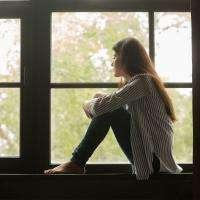 Життя Чому виникає почуття самотності та як воно впливає на здоров'я? здоров'я психологія соцмережі стаття