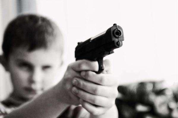 Лента за лентою: чи потрібна Україні легалізація короткоствольної зброї?