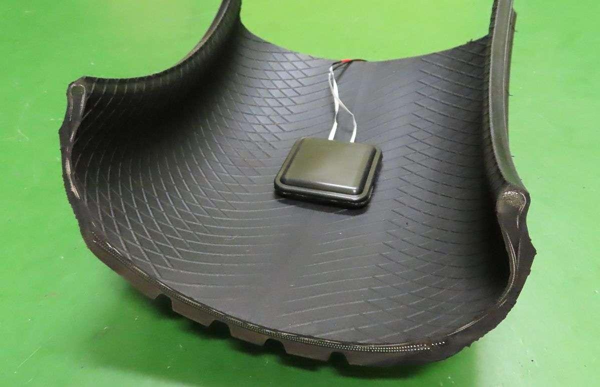 В Японії навчилися отримувати енергію з шин автомобіля, що рухається