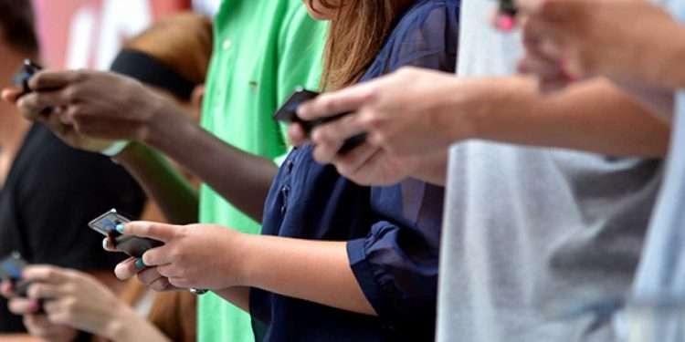 Смартфони крадуть ваш час та увагу