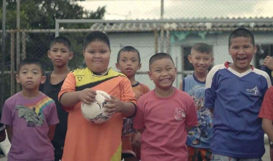 Стадіон так стадіон — як у Таїланді будують спортивні майданчики на місці звалищ