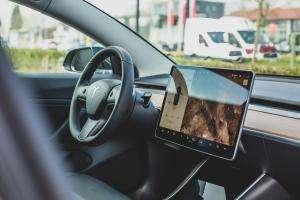 Життя До біса вигідно: американські полісмени міняють Dodge на Tesla tesla електромобіль новина поліція сша транспорт у світі