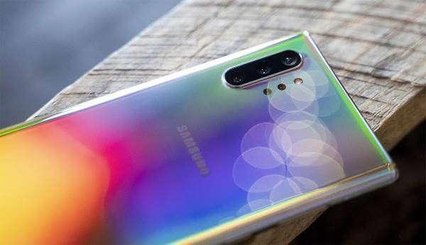 Samsung і Sony припинили виробництво смартфонів у Китаї