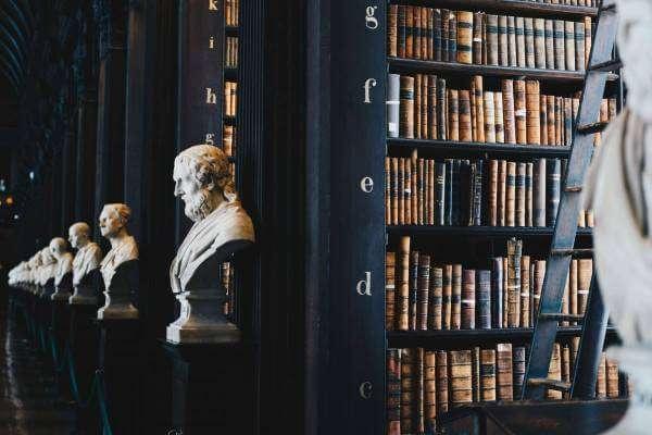 Гайда читати: 4 захопливі романи, що читаються за кілька годин