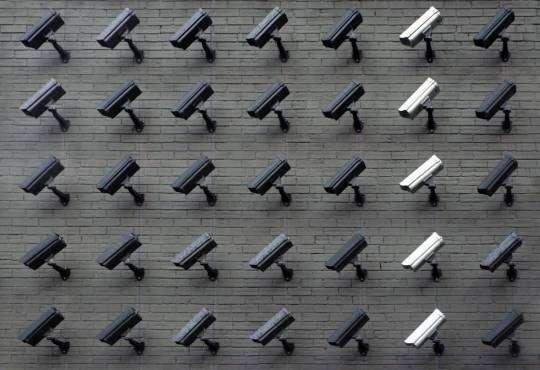 Інтернет Дослідження: Інтернет стає дедалі менш безпечним та вільним безпека дослідження інтернет стаття у світі україна