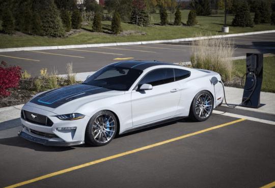 Технології Ford покаже новий електрокар Mustang із механічною коробкою передач Ford електромобіль новина у світі