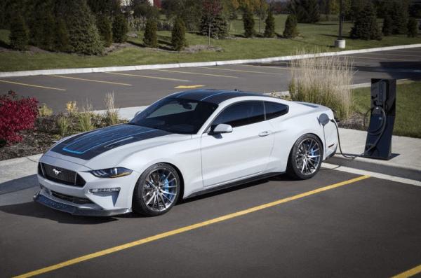Ford покаже новий електрокар Mustang із механічною коробкою передач