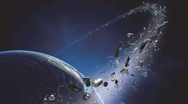 Людство вперше в історії почне прибирати космічне сміття