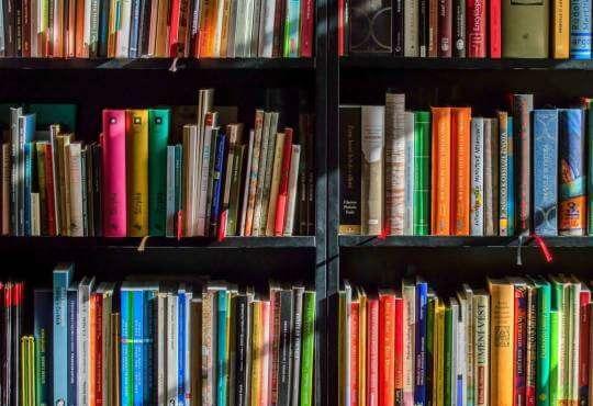 Життя Що почитати на свята? Українські книжкові новинки добірка книги стаття