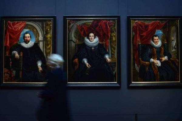 Секрет вінтажу: як тріщини на картинах зберігають їхню якість