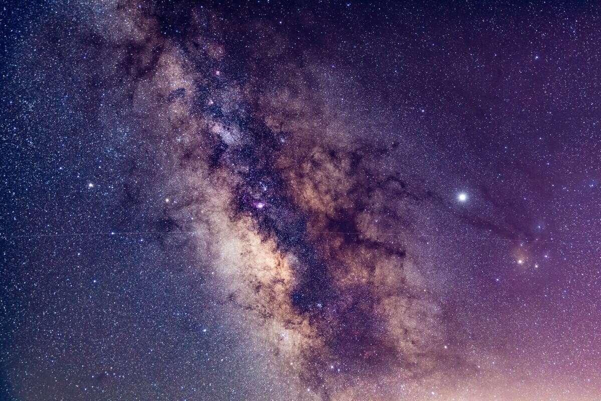 Дивовижні космічні фото Землі з сонячного вітрила Light Sail 2