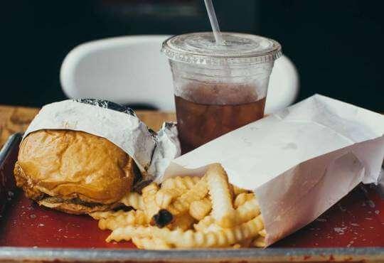 Життя Як правильно харчуватись і що таке ожиріння та калорії здоров'я історія Їжа лонгрід стаття