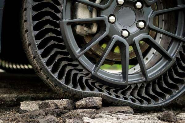 Як влаштовані шини без повітря?