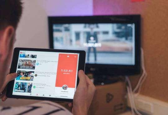 Інтернет YouTube та Netflix знизять якість відео в ЄС, щоб полегшити роботу мережі YouTube коронавірус новина