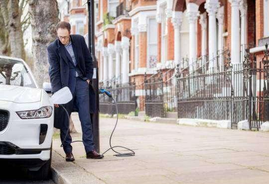 Технології Вулиця зелених ліхтарів: як Лондон стає зеленішим екологія електромобіль новина технології