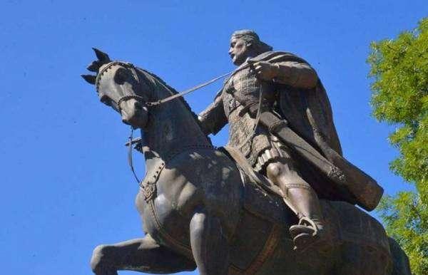 Як культура Русі поєднала в собі Захід та Схід