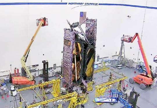 """Технології В NASA зібрали телескоп Вебба, що сам """"збере"""" себе в космосі nasa відео космос наука новина"""