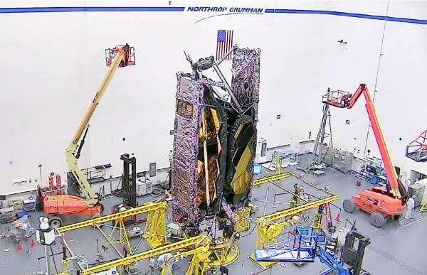 """В NASA зібрали телескоп Вебба, що сам """"збере"""" себе в космосі"""