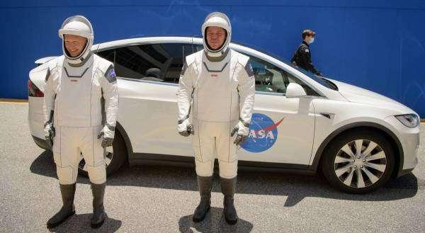 Сьогодні відбудеться перший пілотований запуск корабля SpaceX Crew Dragon на МКС
