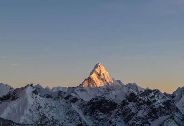 Китайські вчені заново виміряли Еверест