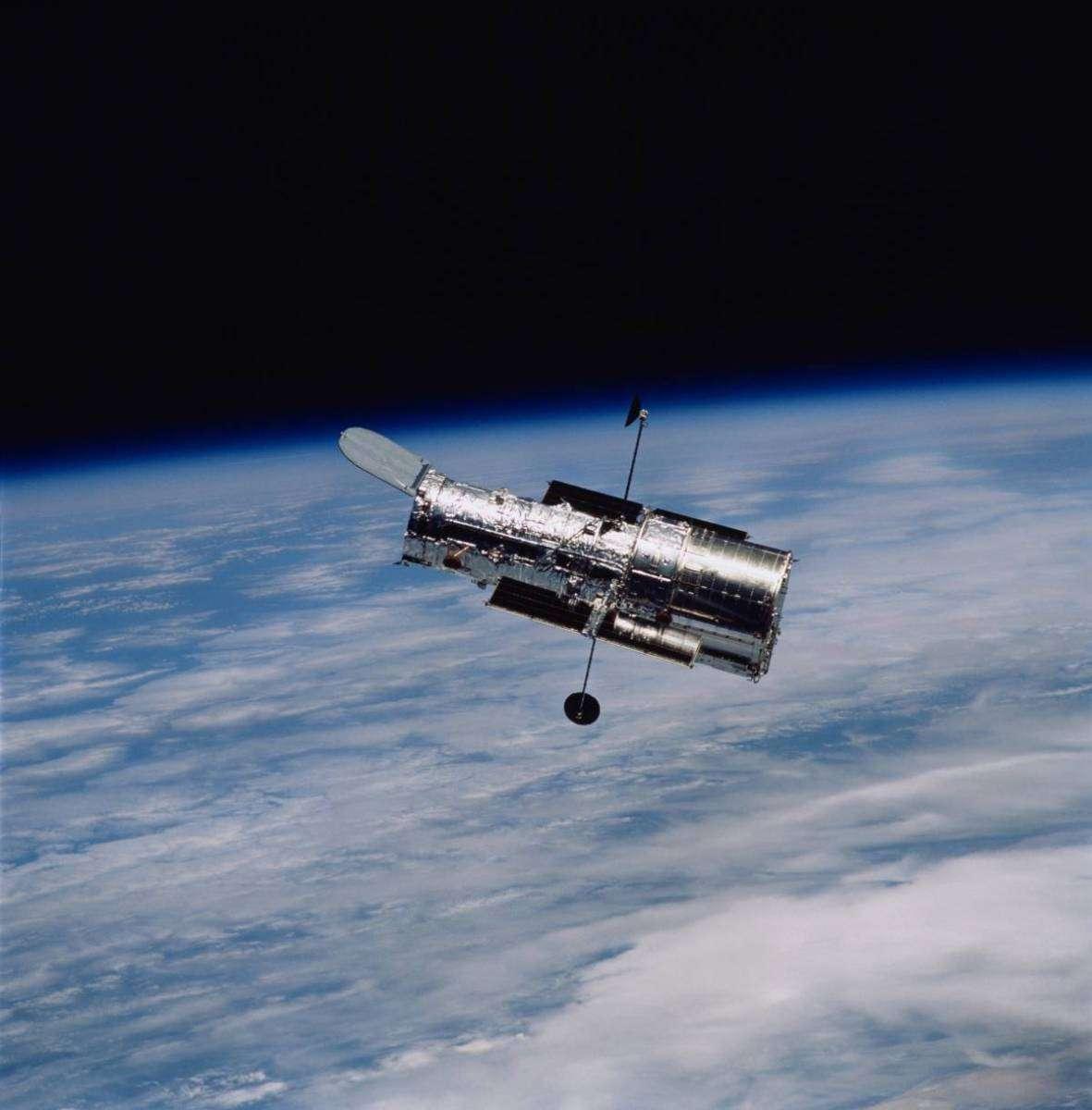 Уже 30 років поспіль телескоп Габбл передає неймовірні зображення сусідніх галактик