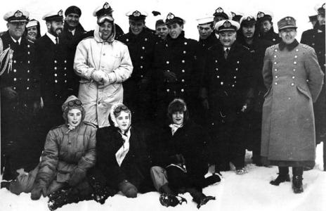 Чилійський Президент Ґабріель Відела став першим державним лідером який відвідав Антарктиду